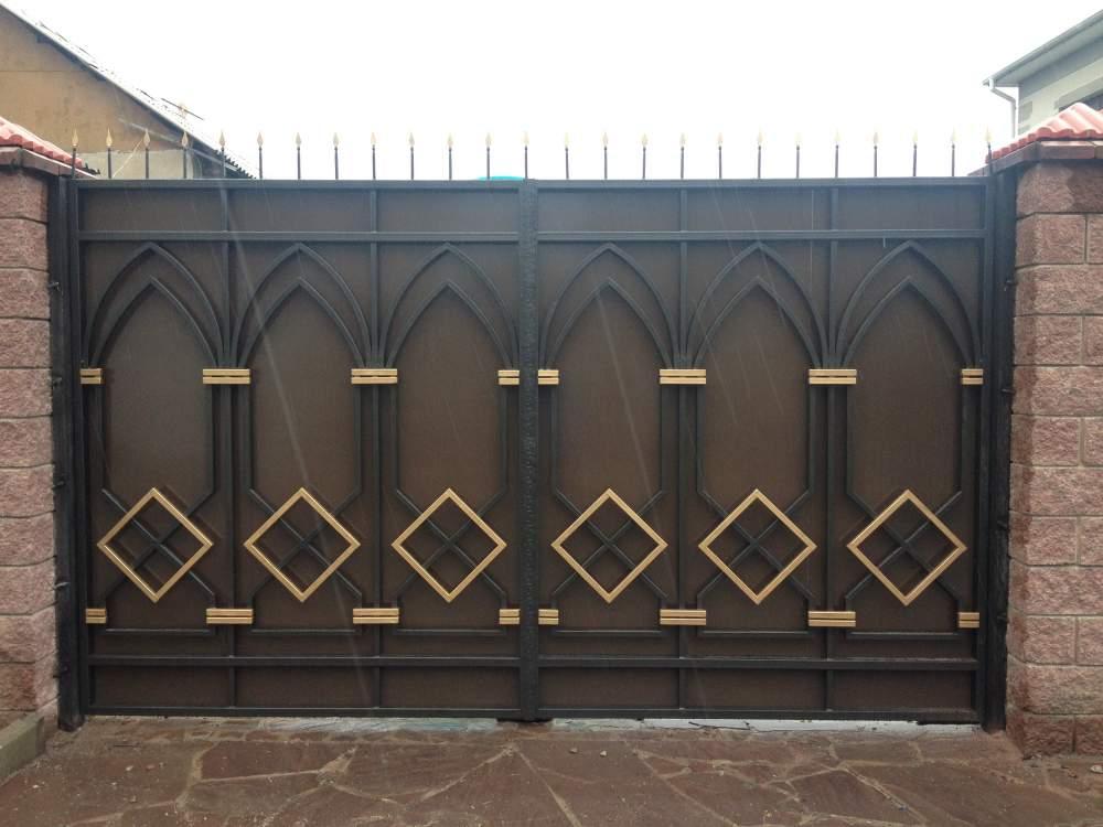 Fabricant portail fer forg villa au maroc rabat casablanca marrakech fabricant for Portail en fer forge